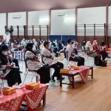 PGRI Ranting SMKN 2 Yogyakarta Gelar Seminar Pengembangan Profesi Guru
